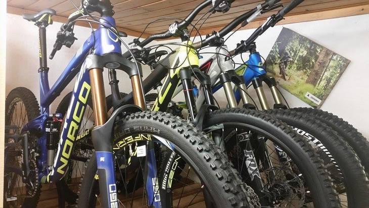 su tutte le bici a magazzino modello 2015 -20%