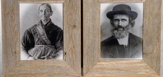 Exklusiv bei Foto Gasser: Originale Altholz Bilderrahmen, Format: 83x93 cm. Euro 229