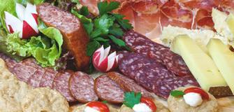 Unsere Feinkostabteilung - Südtiroler und italienische Spezialitäten
