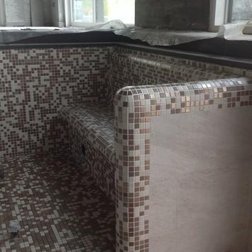 Whirlpool mit Mosaik